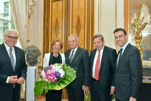v.li.: Dr. Frank-Walter Steinmeier, Frau Ayrault, Jean-Marc Ayrault, Siegmar Mosdorf, Dr. Nils Schmid